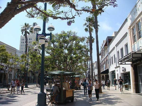 Third Street Promenade 2.jpg