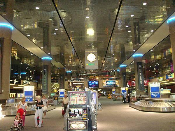LV Airport.jpg