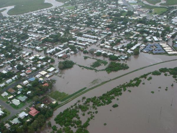 Mackay_flood_aerial_1.jpg