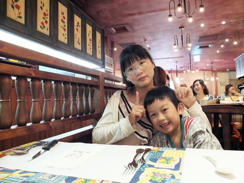 2013-06-12桃園牛排餐廳002