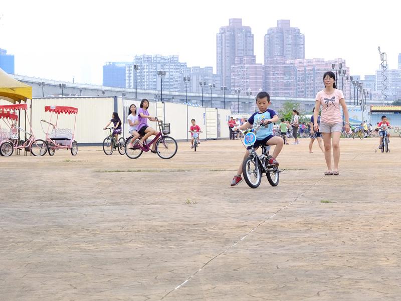 2013-09-30學會騎車004.jpg