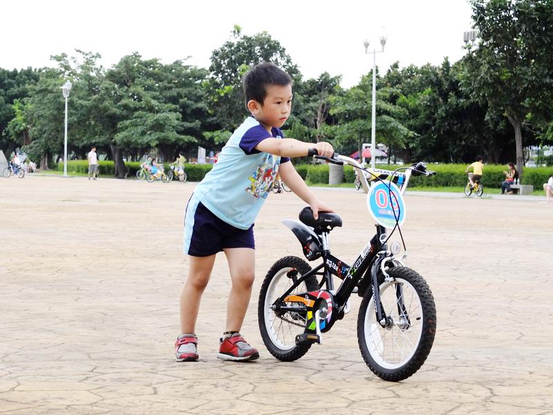 2013-09-30學會騎車008.jpg