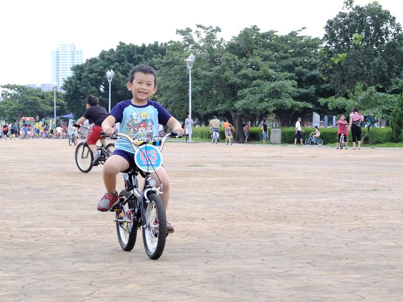 2013-09-30學會騎車011.jpg