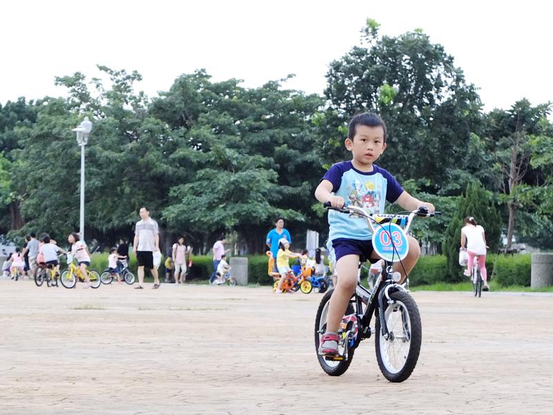 2013-09-30學會騎車013.jpg