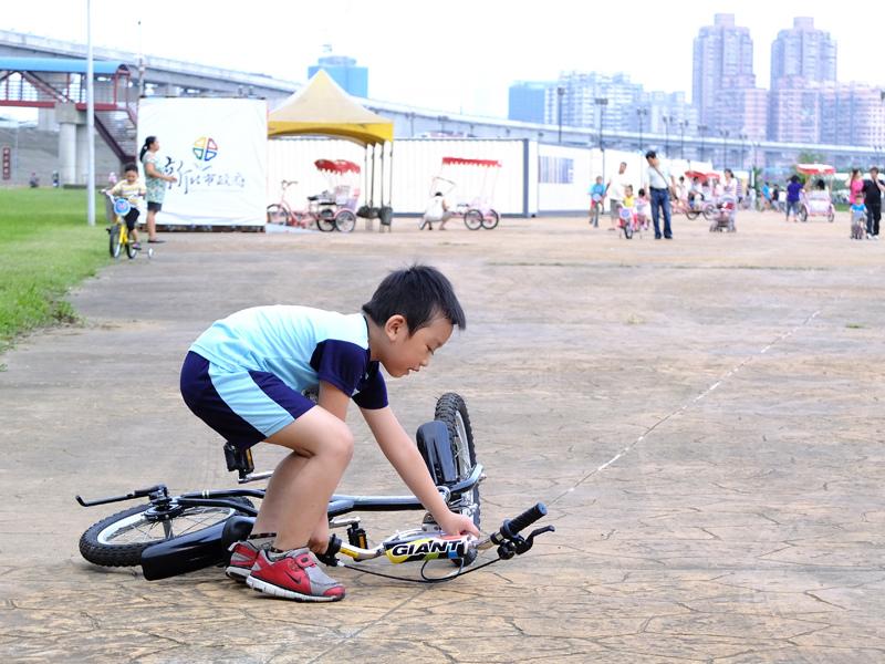 2013-09-30學會騎車019.jpg