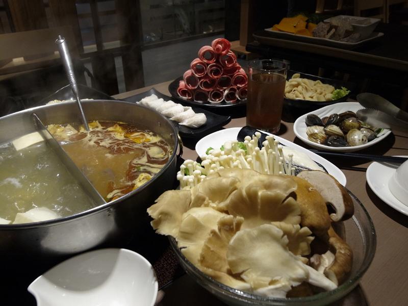 2013-11-01麻妃頂級麻辣鴛鴦鍋008.jpg