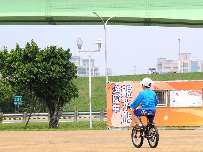 2014-03-30堤防騎車007.jpg