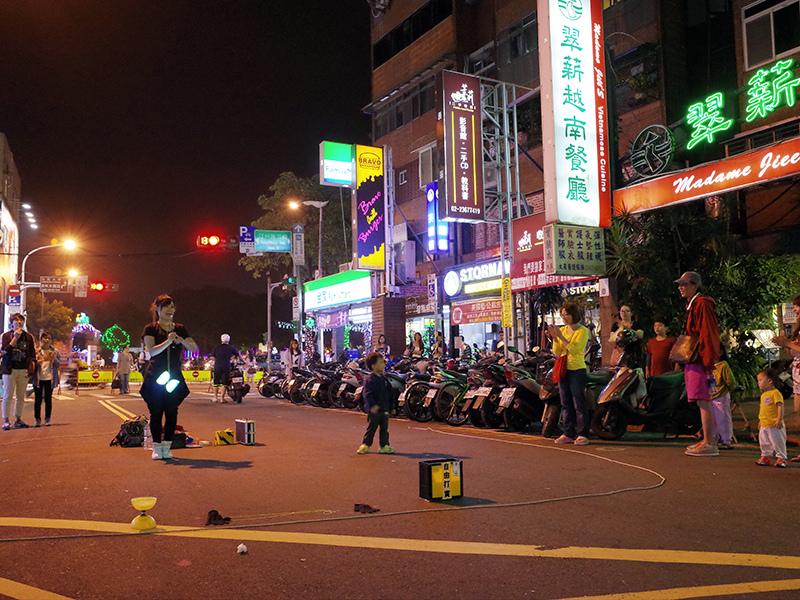 2014-11-29金鋒滷肉飯012.jpg
