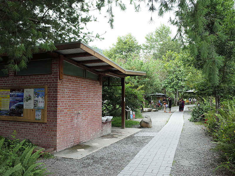 2016-08-28紙教堂001.jpg
