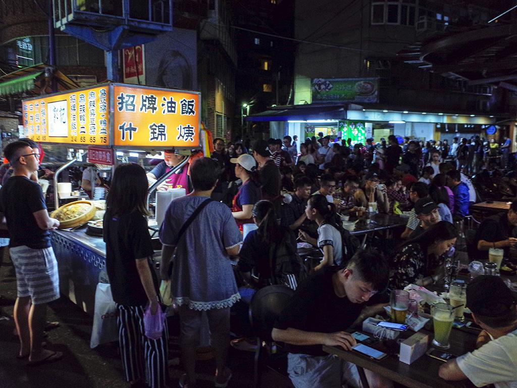 2019-04-28樂華夜市050.jpg