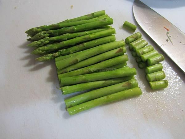 5分鐘料理-完全無油四色蔬菜-蘆筍+玉米+鴻喜菇+紅蘿蔔(2人份)