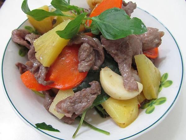 鳳梨塔香豬肉、鳳梨豬肉、九層塔、5分鐘料理