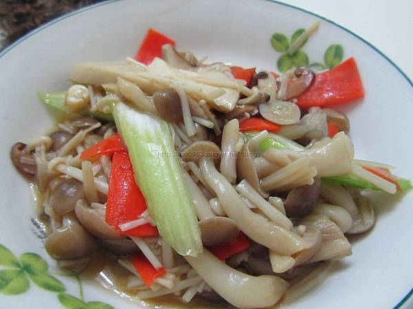 西洋芹炒鮮菇