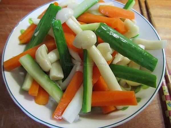 5分鐘料理-清炒脆瓜白雪菇