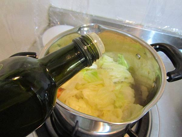 3分鐘料理-燙高麗菜(各種青菜皆適用),新手料理, 懶人料理,臉黃黃太太, 食譜, 料理