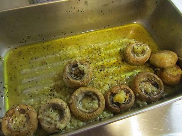 烤箱料理-香蒜蘑菇