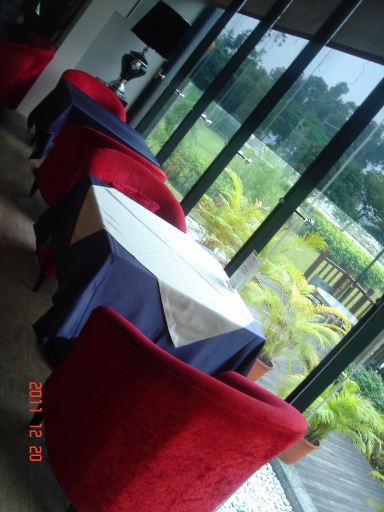 愛地爾-座位3.jpg