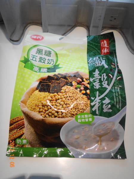 味丹五穀奶1.JPG
