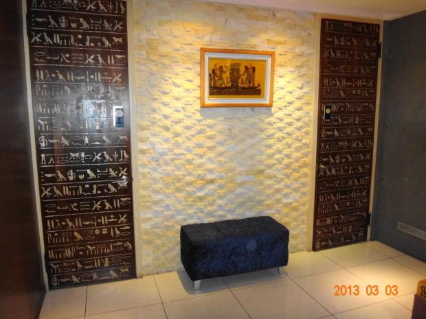 烏列爾埃及-化妝室門口.JPG
