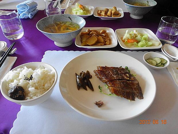 午餐1.JPG