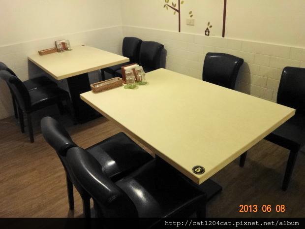 泰義蔬食-座位1.JPG