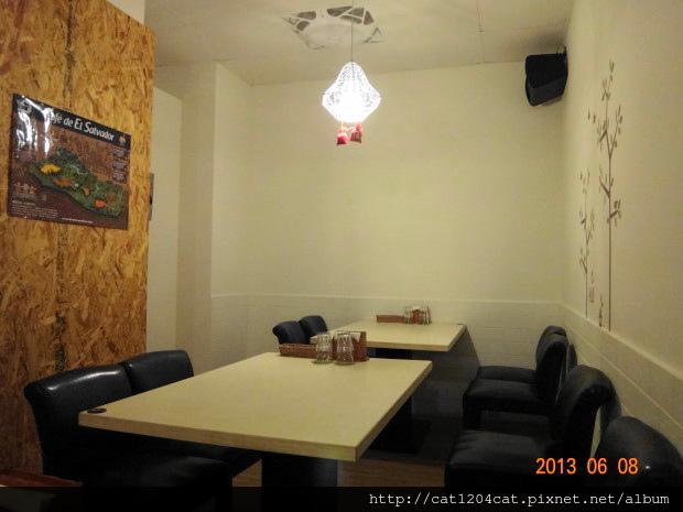 泰義蔬食-座位2.JPG
