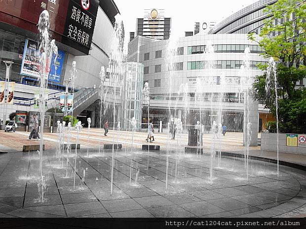 圓形水舞噴泉2.JPG