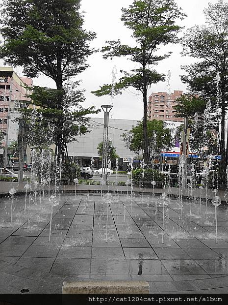 圓形水舞噴泉6.JPG