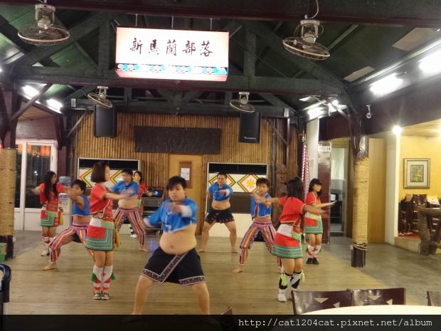 烤之鄉-歌舞4.JPG