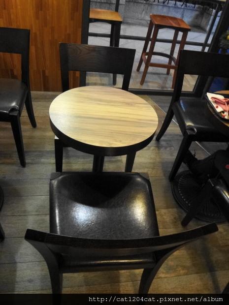 卡啡那-座位1.JPG