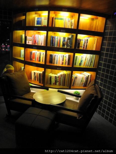 卡啡那-座位4.JPG