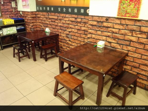 達卡廣式燒烤吧-座位2.JPG