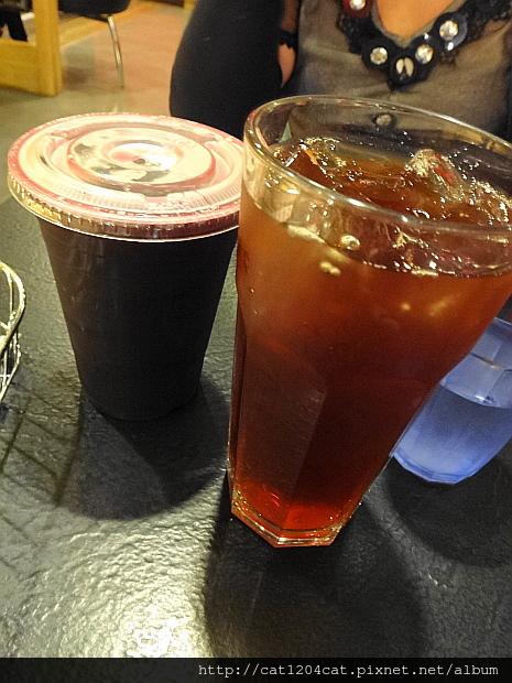 西雅圖咖啡漢神店2.JPG
