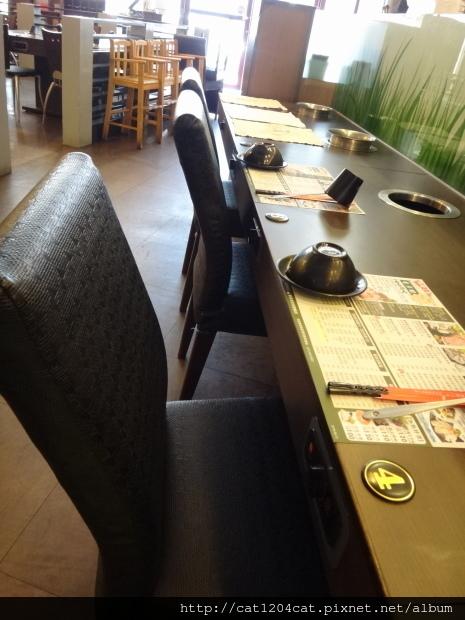 檸檬香草火鍋-座位1.JPG