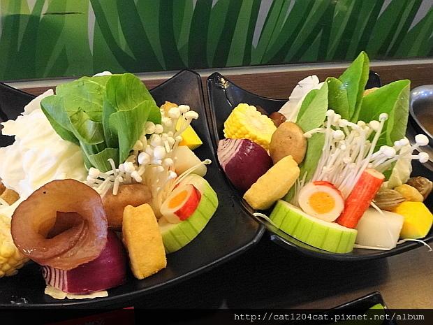 檸檬香草火鍋1.JPG