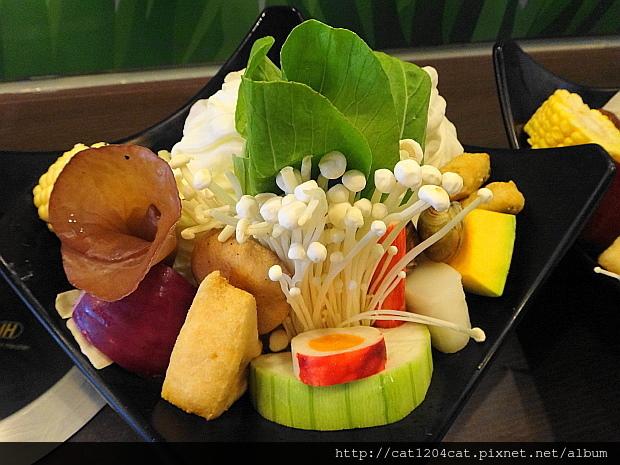 檸檬香草火鍋1-1.JPG