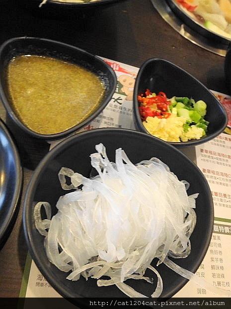 檸檬香草火鍋4.JPG