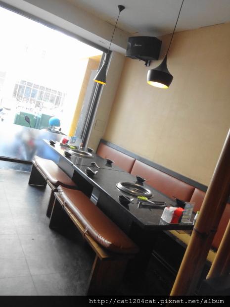 七輪燒肉-座位6.JPG