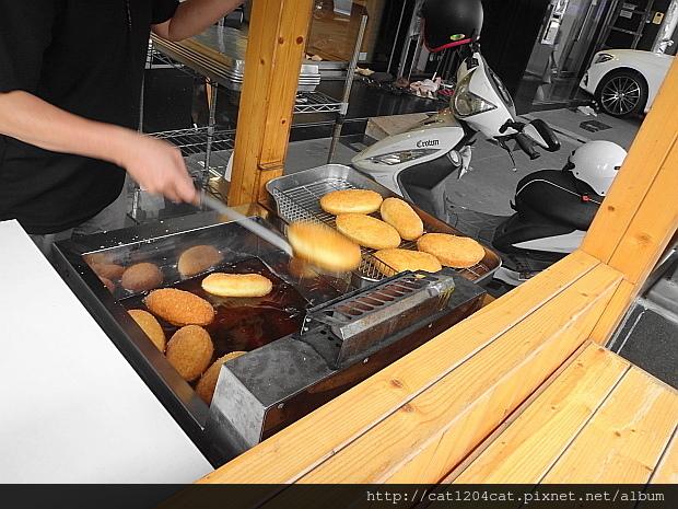 咖哩麵包5.JPG