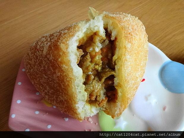 咖哩麵包8.JPG