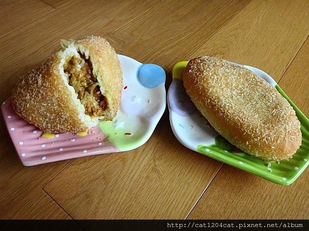 咖哩麵包9.JPG