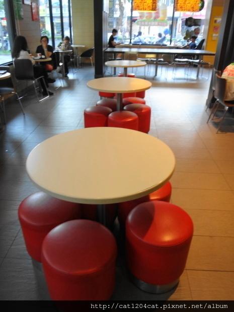 Mc Cafe-環境2.JPG