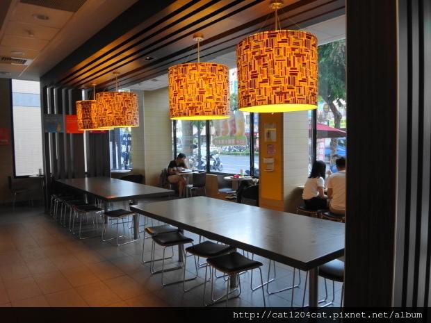 Mc Cafe-環境3.JPG
