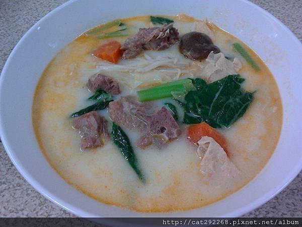 肉骨茶拉麵(白湯)60元