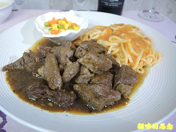 深坑 鮮平價牛排 宅配到府的五星級的饗宴-熟食牛排套餐DSCN5671.jpg