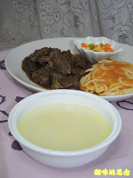 深坑 鮮平價牛排 宅配到府的五星級的饗宴-熟食牛排套餐DSCN5679.jpg