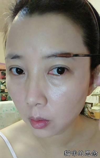 KATE 造型雙效眼線筆3D時尚眉彩膏3D時尚眉彩膏1.jpg