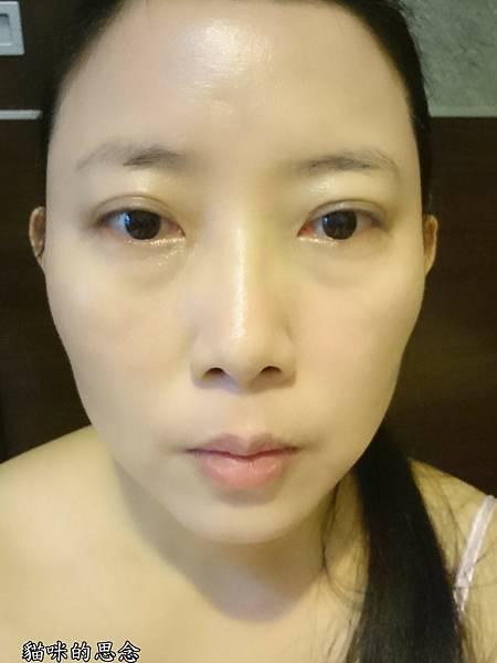 KATE 造型雙效眼線筆3D時尚眉彩膏3D時尚眉彩膏彩妝前.jpg
