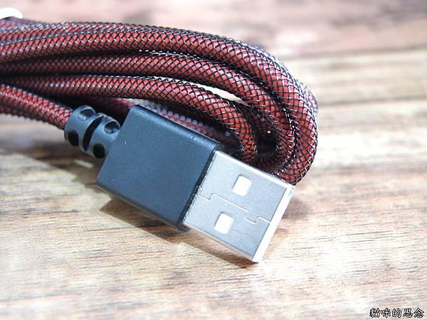 innfact N9極速充電線DSCN8938.jpg