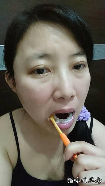 黑人超氟抗敏護理牙膏17-09-24-22-01-07-569_deco.jpg